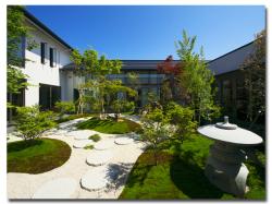 柏崎の地形を表した日本庭園